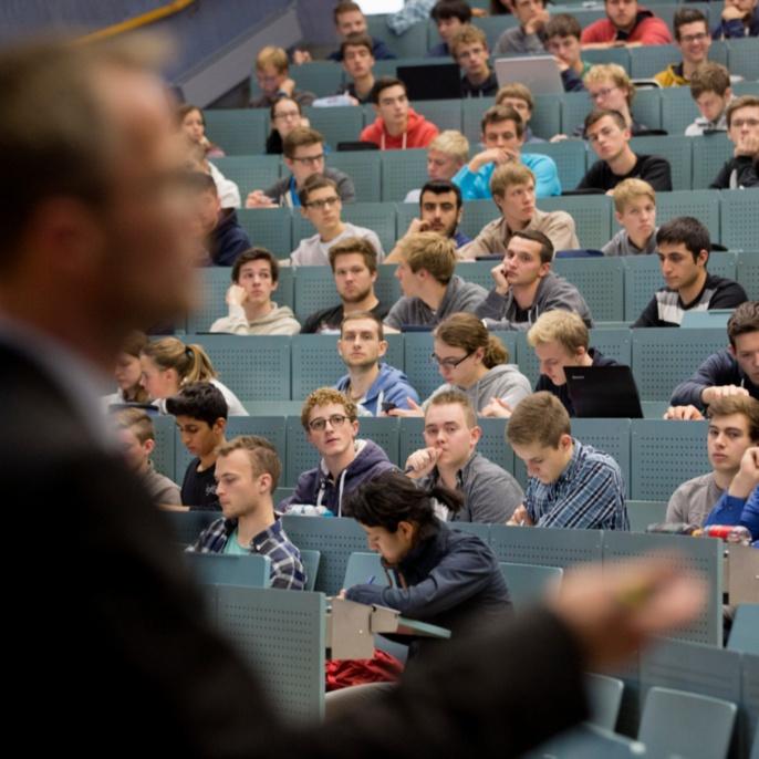 Die 28.000 Studierenden in rund 150 Studiengängen ...